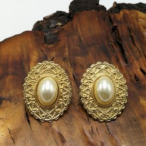 Vintage Ivory Pearl gold filigree Cameo Victorian